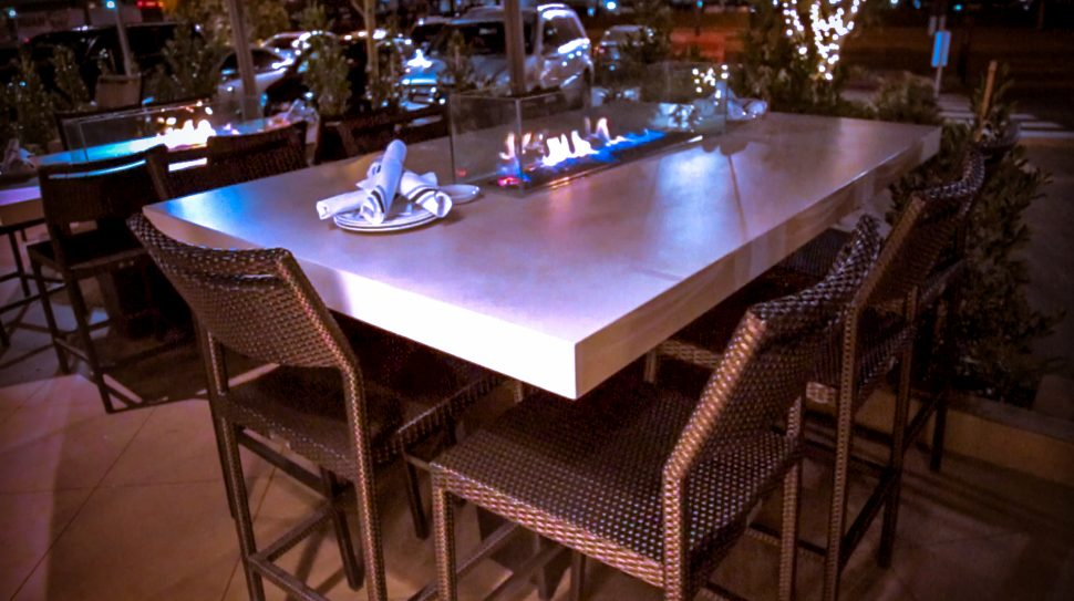 Custom Bar Height Fire Fire Pit Tables with Premium Stone Tops